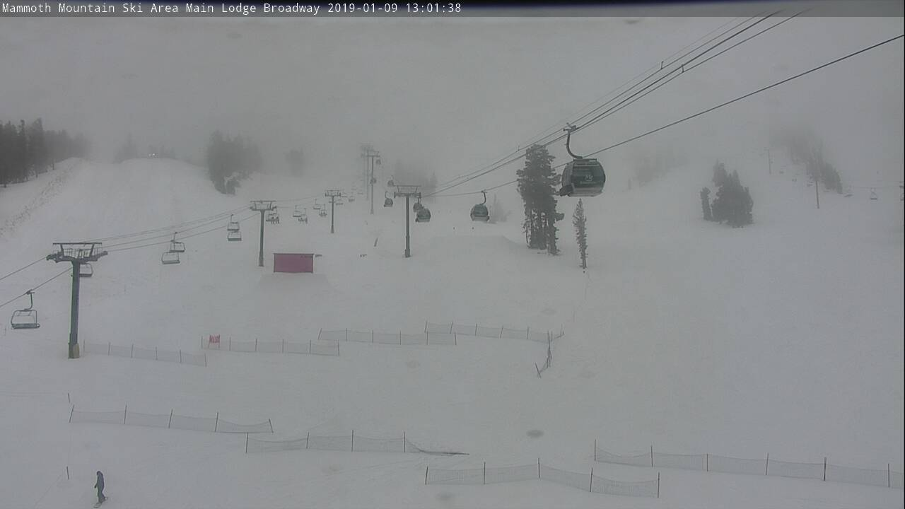 Mammoth Mountain Main Lodge Webcam - Mammoth Lakes, CA